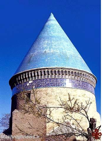 آرامگاه-حمد-مستوفی