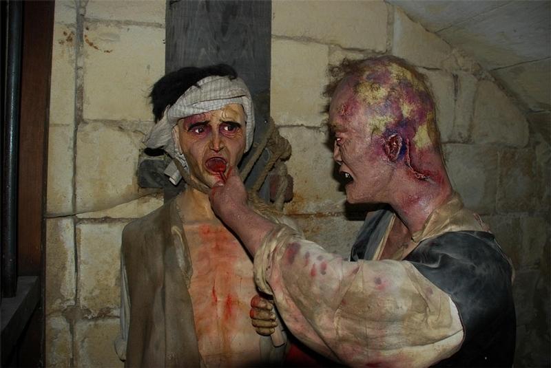 عکس-کاور-موزه-شکنجه۹