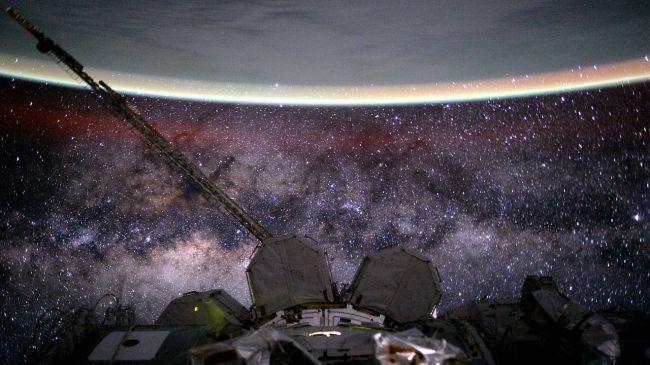 عکس کاور تماشای ستارگان از فضا
