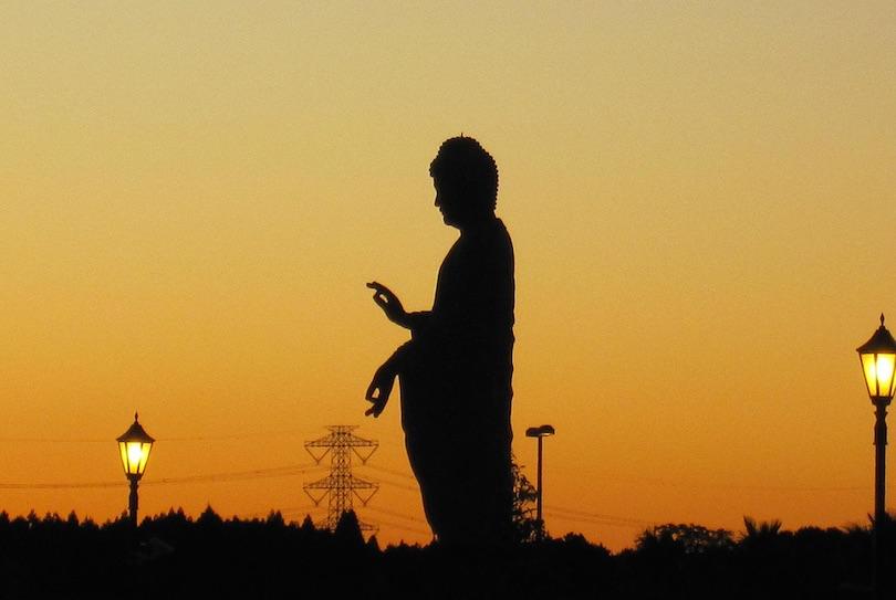عکس کاور مجسمه یوشیکو دایبوتسو (۱۲۰ متر)