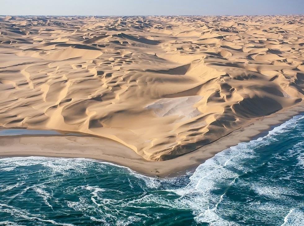 عکس کاور ۱۰ چشمانداز نفسگیر از اقیانوسهای سراسر جهان